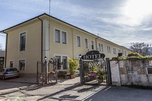Porta Rivera Hotel